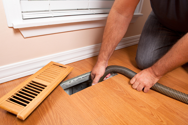 2air_duct_cleaning_5-2-12_-_istock